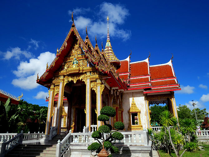 The temple of Wat Chalong, Phuket, Thailand, 2013. Author: Pekka Oilinki. Source Wikimedia Commons.