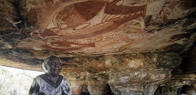 John Gollings, Margaret Katherine at Narwala Gabarnmang Rock Art 2015, 49 x 73cm.