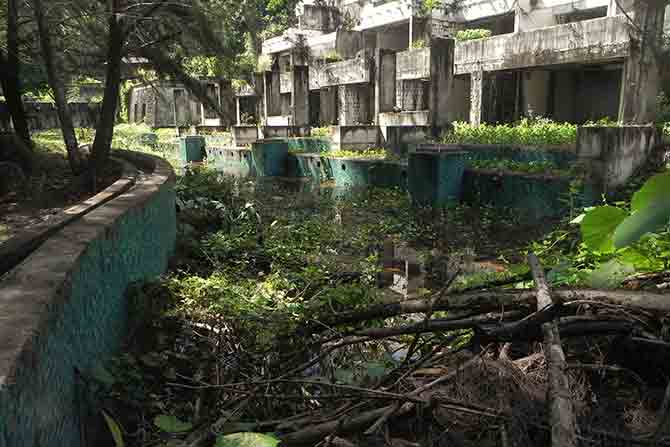 abandoned building phuket pic by Anthony Cameron